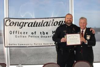 Sr. Cpl Songer receiving award