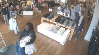Shoplifters Gap 1